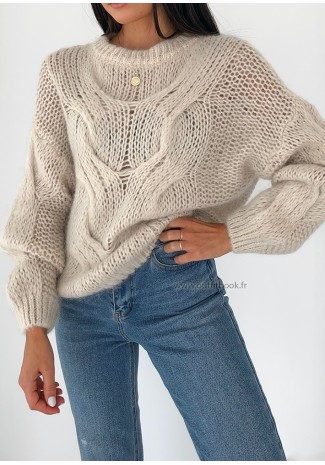 Cable jumper in beige mohair