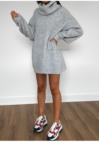 Robe pull grise oversize avec col roulé