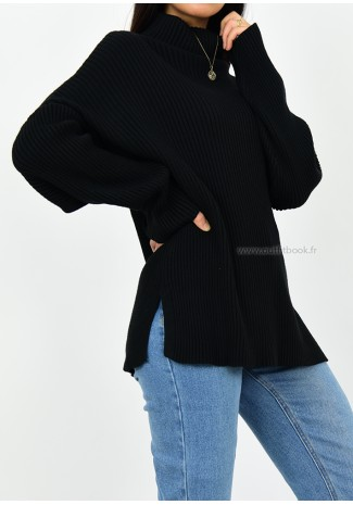 Oversize rib knit black jumper with slits
