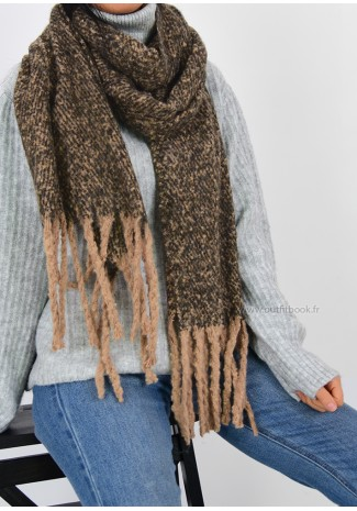 Soft scarf with tassels in brown