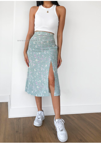 Midi skirt with side split in green