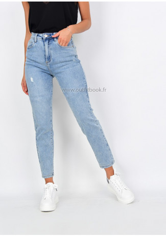 High waist mom jean in light blue