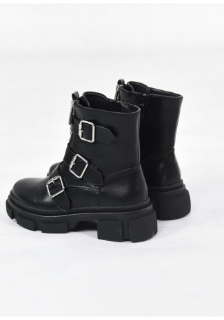 Chunky boots with buckles in black